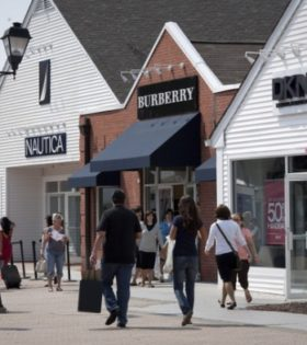 Woodbury-Common-premium-outlets-fuera