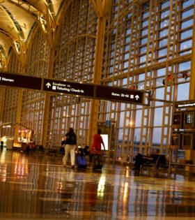 Salidas-y-llegadas-de-vuelos-del-Aeropuerto-Ronald-Reagan